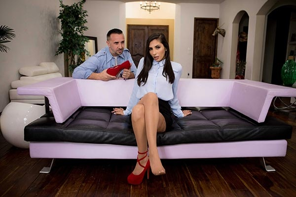 Gianna Dior - Lets See If It Fits (2019/BrazzersExxtra.com/Brazzers.com/FullHD)