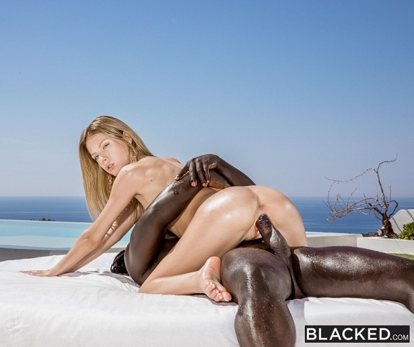 Rebecca Volpetti - Play Harder (2019/Blacked.com/FullHD)
