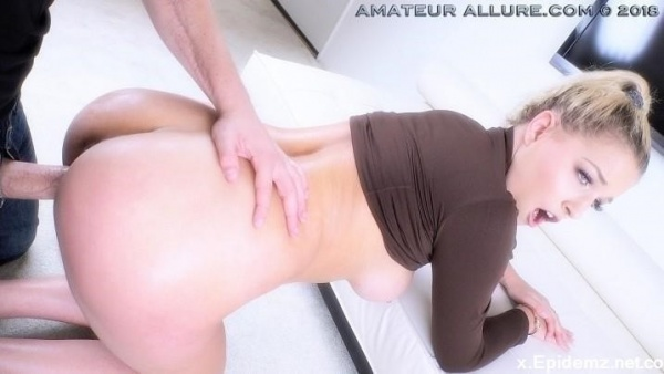 Sophia Lux - Amateur Allure Welcomes Sophia Lux For A Blowjob, Fucking And Cum Swallowing (2019/AmateurAllure.com/HD)