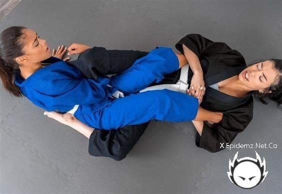 Savannah Sixx, Scarlit Scandal - Self-Defense (2020/LookAtHerNow.com/HD)
