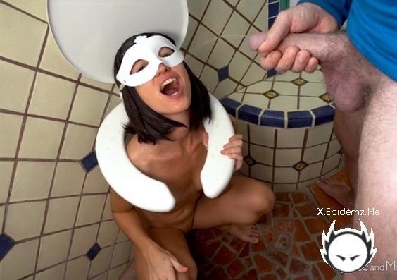 Toilet Seat - Surprise (2020/BruceAndMorgan.com/HD)