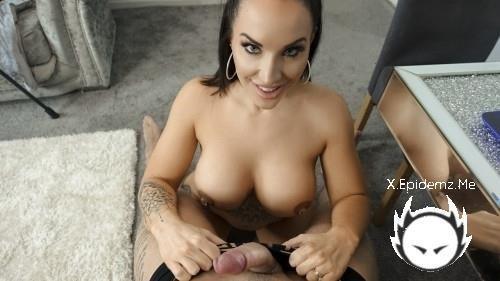 Jessica Miller - Horny Brunette Wants Dick (2020/TrueAmateurs.com/SD)