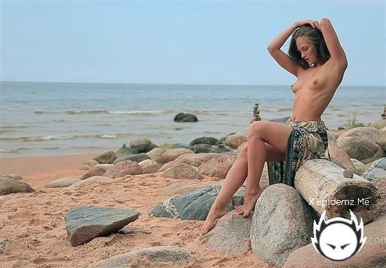 Selena B - Private Beach (2020/FemJoy.com/SD)