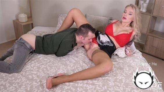 Kayla Green - Big Tittied Blonde Housemaid Gets Dirty (2020/DDFNetwork.com/HD)