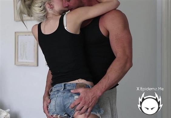 Derek Jones, Ashley Daniel - Ashley Daniel Gets Fucked (2020/HotGuysFuck.com/HD)