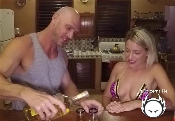 Amateurs - Beach Sex In The Dark (2020/SinsLife.com/FullHD)