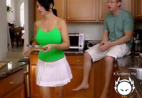 Amateurs - Kitchen Craziness (2020/AngieNoir.com/HD)