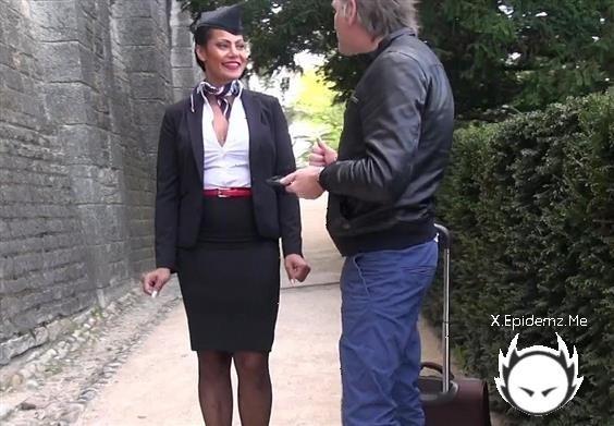 Clelie - Jacquie Et Michel Tv 2019-04-11 (2019/JacquieEtMichelTV.com/FullHD)