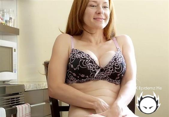 Amateurs - Redhead In The Kitchen (2020/ChloeMorgane.com/SD)