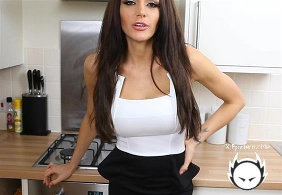 Amateurs - Busty Milf Teasing In The Kitchen (2020/WankItNow.com/FullHD)
