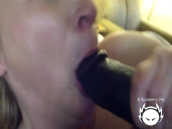 Amateurs - Mature Blonde Has Fun With A Fat Black Monster Cock (2020/LoveHomePorn.com/SD)