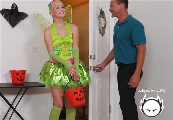 Kenzie Reeves, Chloe Cherry - Halloween Surprise (2020/FacialKings.com/FullHD)