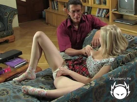 Amateurs - See What Happened On The Couch (2020/LoveHomePorn.com/SD)