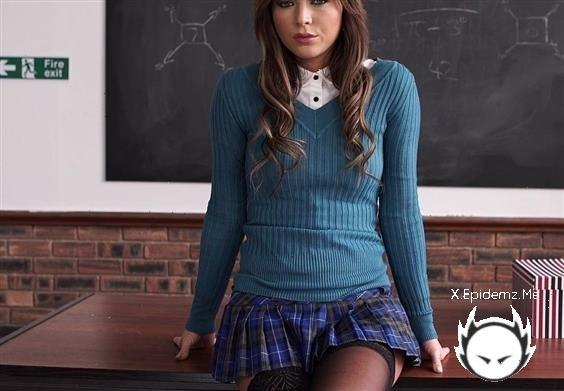 Amateurs - Your Perfect Schoolgirl Fantasy (2020/NataliaForrest.com/FullHD)