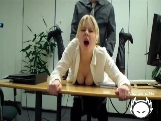 Amateurs - My New Boss Already Fuck Me (2020/LoveHomePorn.com/SD)