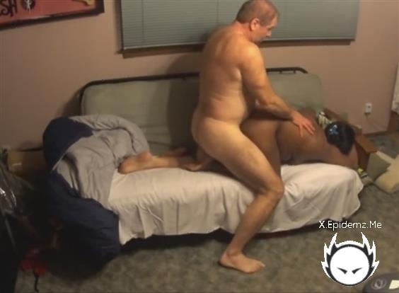 Amateurs - Interracial Couple Made A Naughty Doggy Homemade Movie (2020/LoveHomePorn.com/HD)