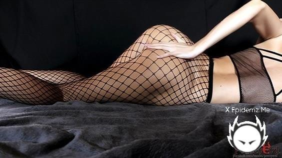 Prettyevil - Young Horny Fit Girl In Fishnets Gets Body Shaking Orgasm (2020/PornhubPremium.com/FullHD)